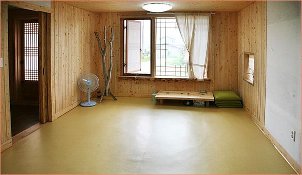 편백나무집 내부(산방, 들방)